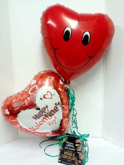Donovans NZ Crafted Chocolate Seasalt Caramel Squares and Loved-Up Helium Balloons